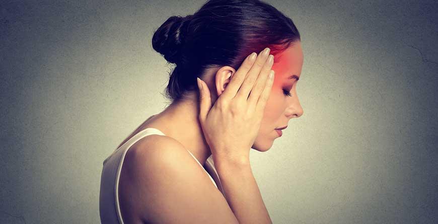 mal-di-testa-controlla-la-tiroide
